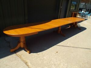Large Solid Oak Extending Dining Table 17.75ft/ 541cm   (2 of 2)