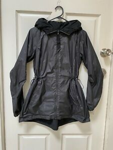 Lululemon Raincoat Reversible Size 8-10 Womens Australia sizing
