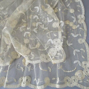 """Antique Creamy Brussels PRINCESS LACE Long Runner or Shawl 80"""" X 72"""" * FLOWERS"""