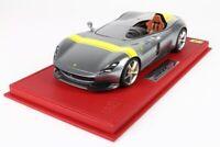 Ferrari Monza SP1 Argento/Giallo completa di base e vetrina scala 1/18