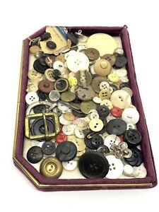Vintage & Antique Lot of Mother of Pearl, Plastic, Brass Ect Buttons Lot B
