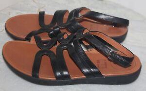 FitFlop STRATA sandal size 8 black Leather Gladiator Ankle Strap Buckle EC flats