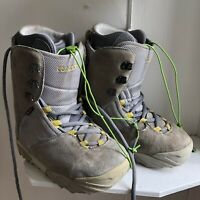 Mens Burton Ruler Suede Snowboard Size 9.5 Boots Step On Ex Condition