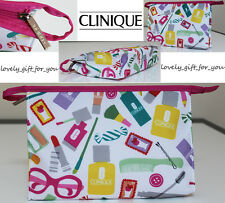 New Clinique Cosmetic Bag Makeup 22.5 x 15 x 5.5 cm / 9 x 5.9 x 2 inch Zip Logo