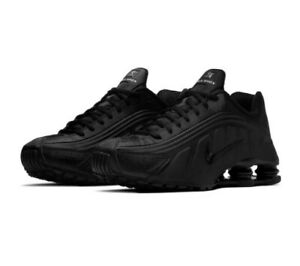 Nike Shox R4 Triple Black Mens Size 8.5 Casual Sneaker 104265 044 Womens Sz 10