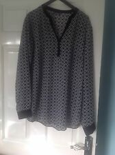 Ladies Top from South size 16 in excellent condition