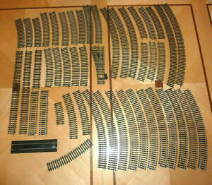 48pcs HORNBY 00 GAUGE LAYOUT TRACK IN EXCELLENT CONDITION 00 GAUGE OO JOB LOT