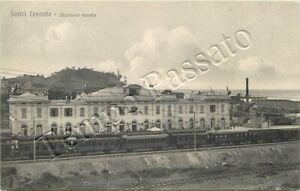 Cartolina di Sestri Levante, treno nella stazione della ferrovia - Genova