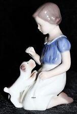 "BING&GRONDAHL / ROYAL COPENHAGEN FIGUR #2316  ""GIRL WITH PUPPY"" TOP 1. WAHL"