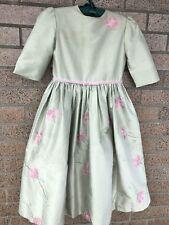 Zoe Girls dress Size 7 Gorgeous SiLk Light Green Embroidery, Stones.!