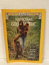 NATIONAL GEOGRAPHIC October 1975 ORANGUTANS Arab World ALABAMA Potholes Miracle