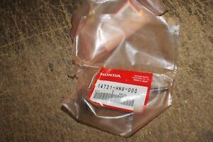 HONDA GENUINE TRX650 TRX680 PAIR OF EXHAUST VALVES ATV 14721-HN8-000 NOS