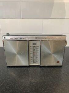 Vintage National Panasonic R-355 3 Band Transistor Radio. Won't Turn On