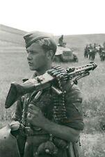 WW2 Photo WWII German Soldier MG42 MG 42 Wehrmacht Germany  World War Two / 2514