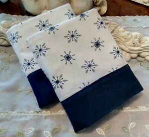 COUNTRY COTTAGE SET OF TWO NAVY & WHITE WINTER SNOWFLAKES FLANNEL PILLOWCASES