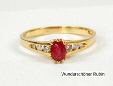 Clásico ANILLO, ORO 750 con hermoso rubí y brillante 0,18 QUILATES