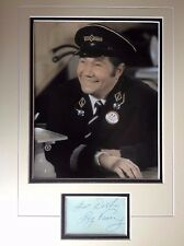 REG VARNEY - ON THE BUSES COMEDY ACTOR - SUPERB SIGNED COLOUR PHOTO DISPLAY