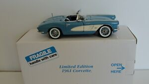Danbury Mint 1:24 1961 Corvette Roadster - Limited Edition - w/ Box & Papers