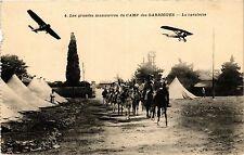 CPA MILITAIRE Les grandes manoeuvres du Camp des Garrigues-La Cavalerie (317706)