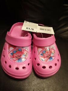 new girls size 9-10 pink trolls crocs