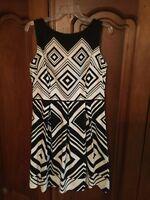 London Times Dress Beautiful black & white geometric 12