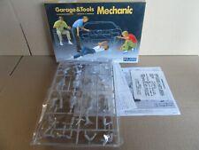 338J Fujimi 11003-GT3 Garage & Tools Mechanic 1:24