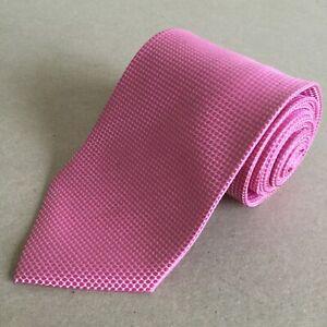 TU  Classic Gentlemen's Pink Polka Dot Design Necktie
