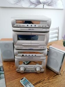 CD Hi fi system in silver with 3 CD changer by LG radio tape cd player