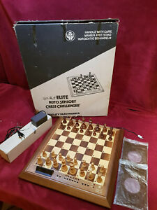 FIDELITY ELECTRONICS AS CHALLENGER SERIES SCACCHIERA CHESS COMPUTER