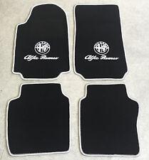 Autoteppich Fußmatten für Alfa Romeo 75 schwarz weiss 1985'-92' Logo Schrift Neu
