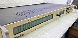 TrueTime Symmetricom model GPS-DC, serial no 753 GPS LCD Clock 10MHz Oscillator