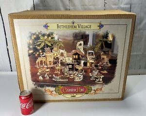 2001 GRANDEUR NOEL BETHLEHEM NATIVITY CHRISTMAS VILLAGE COLLECTORS EDITION
