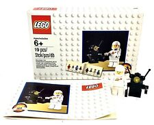 LEGO 5002812  Limited Edition Classic Spaceman Minifigure Space 2014 Built