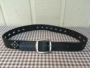 Fossil women's embossed, studded, tooled genuine leather belt size S/30-32.Black