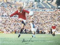 """DENIS LAW SIGNED MANCHESTER UNITED 16""""x12"""" PHOTOGRAPH SEE PROOF"""