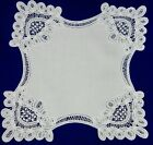 Fold-in White Linen Battenberg Lace Biscuit, Roll, or Bread Cozy, 21'