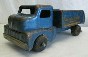 STRUCTO TOWING PRESSED STEEL TOY