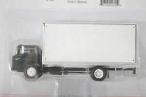 HO Athearn RTR 1970s Era 27ft Ford C-Series Box Truck, Black Undecorated Cab New