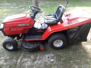 """MTD LAWNFLITE 906 RIDE ON LAWNMOWER, 16.5HP NPI/C 40"""" CUT. SPARES AND REPAIRS"""