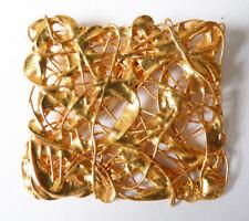 Broche en métal doré bijou de créateur sculpteur design 1990 fils métal fondu