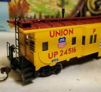 HO Athearn Union  Pacific caboose car, for train set, New RTR series