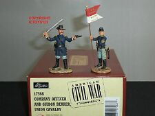 BRITAINS 17566 UNION CAVALRY COMPANY OFFICER + GUIDON BEARER TOY SOLDIER SET