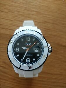 Ice Watch Mens Black Dial White Silicone Strap SI.WJ.BS.11