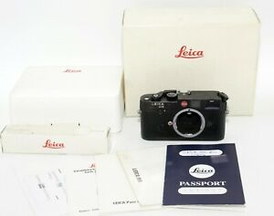 LEICA M6 RANGEFINDER CAMERA (1991) WITH BOX AND PAPERS (PERFECT CONDITION)