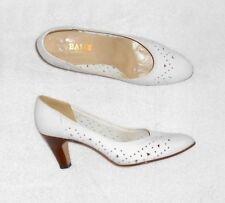 BALLY escarpins cuir blanc P 39 ½  TBE