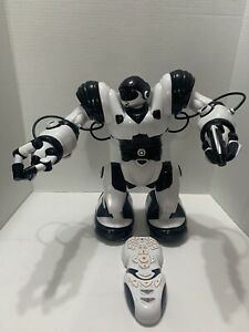 """WowWee Robosapien X ROBOT  R/C Robot 14"""" Black/White with Remote Control Tested"""
