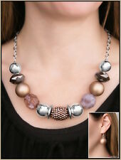 Paparazzi Necklace - A Warm Welcome