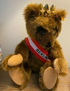 1985 Jointed Berlin Bear with Tags and Button & Gold Plated Crown/0251/34