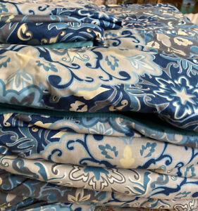 Modern Threads reversible paisley blue white gray comforter and 2 shams Queen