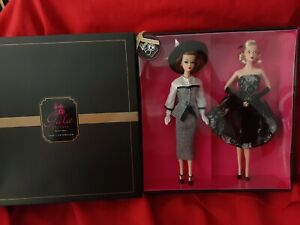 NRFB 50th anniversary Gala Tribute Barbie Giftset 2009 Convention Gold Label